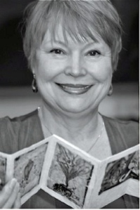 Clarissa Jakobsons_Holding Her Artist Book